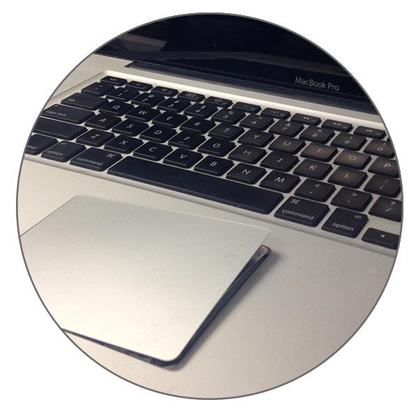 Поврежденная аккумуляторная батарея может выдавить трекпад MacBook