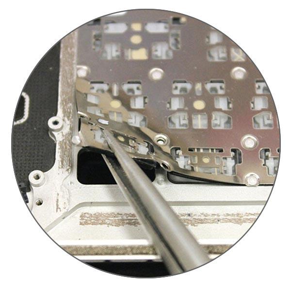 Клавиатура MacBook Air и MacBook Pro Retina держится на заклепках